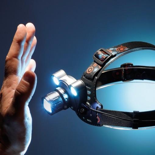 Profesjonalna latarka czołowa z funkcją SENSOR